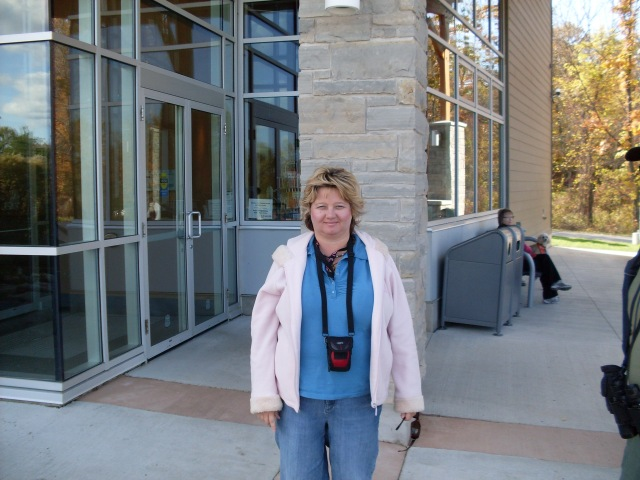 linda-randall-tour-guide-writer-author- blogger from the niagara-region - ontario - canada