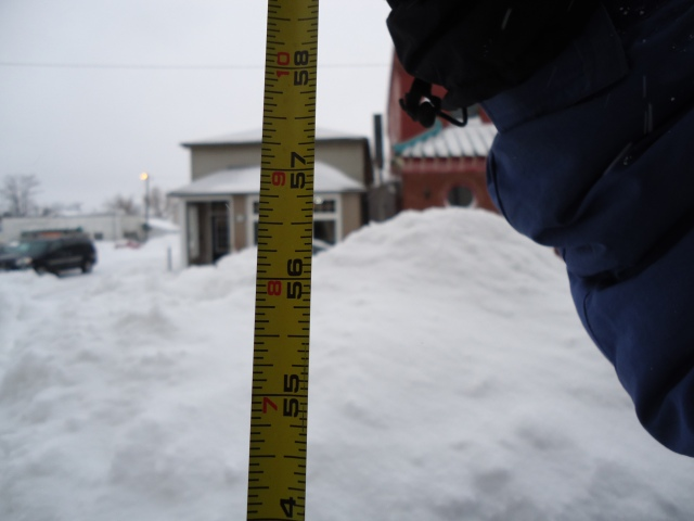 snow drift happy jacks niagara pkwy fort erie 56.5 in 143.51 cm 4.708333ft linda randall harry