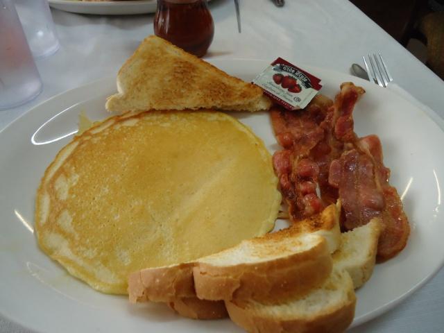 pancake bacon toast side orders chefs bistro ridgeway 8 aug 2013 linda randall
