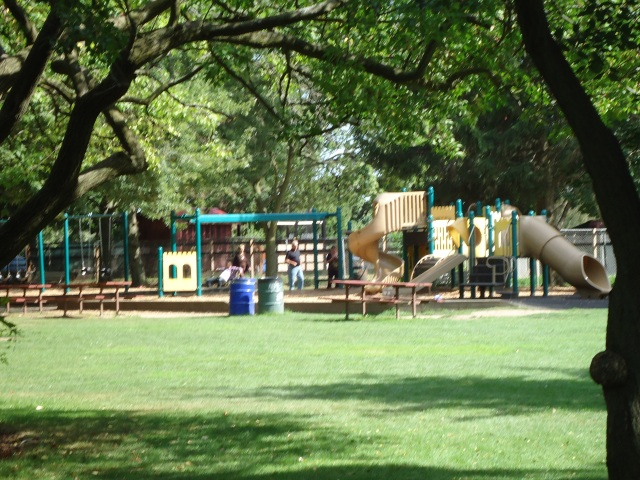 swings slides park play area happy rolf's farm read rd st cathrines (lakeshore rd) 2013