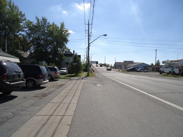 central ave after rail way border crossing bridge up to jarvis st view at royal town diner sept 27 2013 linda randall