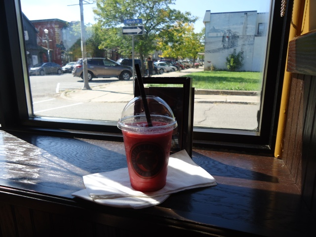 delicous raspberry lemonade smoothie Coffee Cultures Klauck st & Jarvis St Fort Erie Ont linda randall 3 mins peace bridge