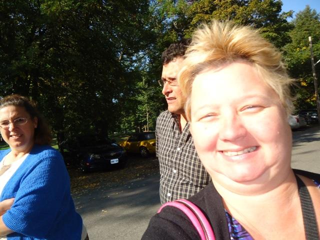 Linda RAndall Chisholm Harold Chisholm Sandy walking to St Mark's Church NOTL 29 sept 2013