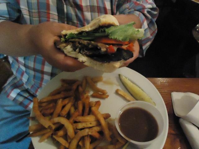 the olde angel inn montebello mushroom burger  fries guiness gravy (beer) heathers yummy food linda randall 1 oct 2013