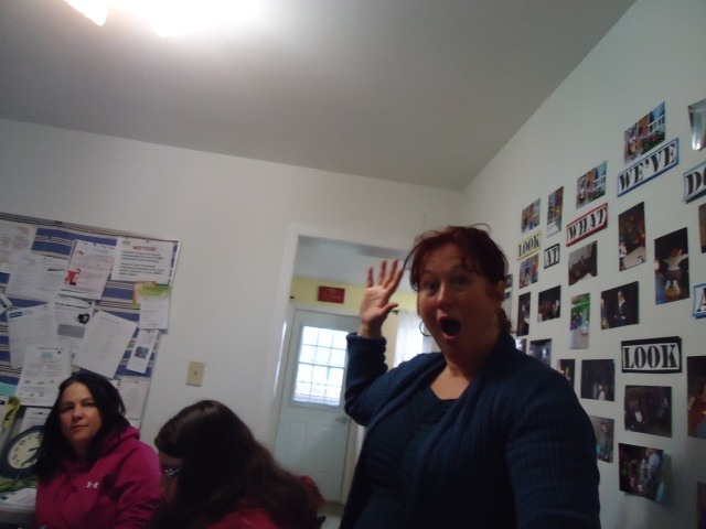 debbie (how sign for hello) tina jessica community house women's group fort erie linda randall