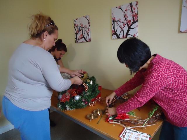 loren barb lee create christmas wreath decor 5 dec 2013 linda randall