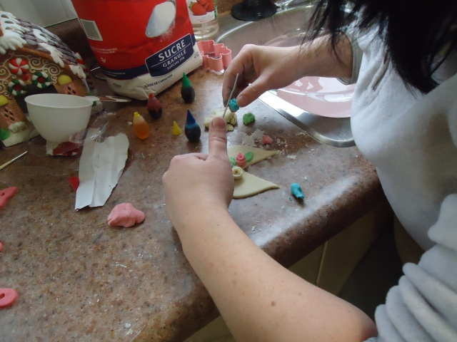 making rosebuds with playdough tina shows me how linda randall ladies group community house fort erie