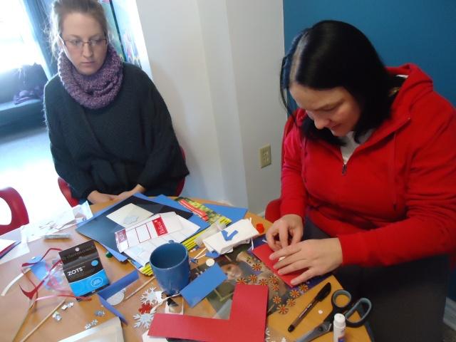 ashley tina making christmas cards crafts community house 16 dec 2013 linda randall