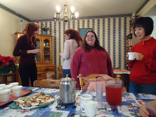 becky loren jessica LI smile redstacks christmas carols 19 dec 2013 linda randall