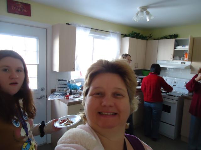 linda randall blogger the idea girl says with nicole ashley li deb community house kitchen 27 jan 2014