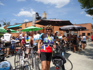 200 participants cyclists-southside-bar-patio-great-waterfront-trail-adventure-2013-linda-randall idea girl canada