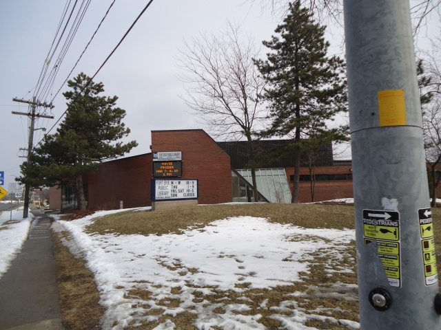Fort Erie Central Branch Public Library Central Ave at Gilmore Rd Bus Stop Avondale linda randall