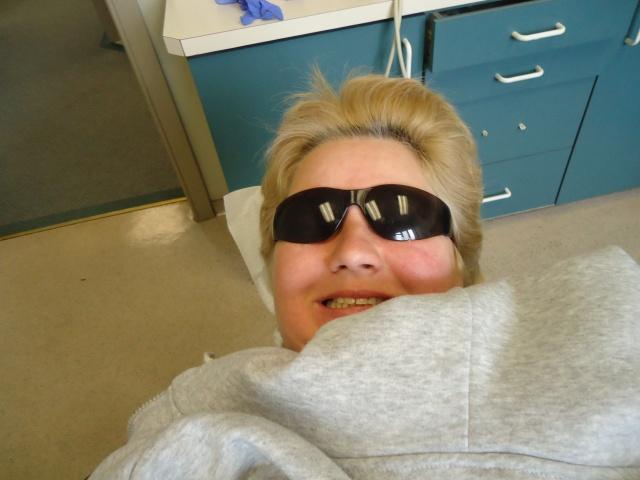 linda randall blogger the idea girl says idea girl canada sunglasses on getting teeth cleaned at dentist 26 feb 2014