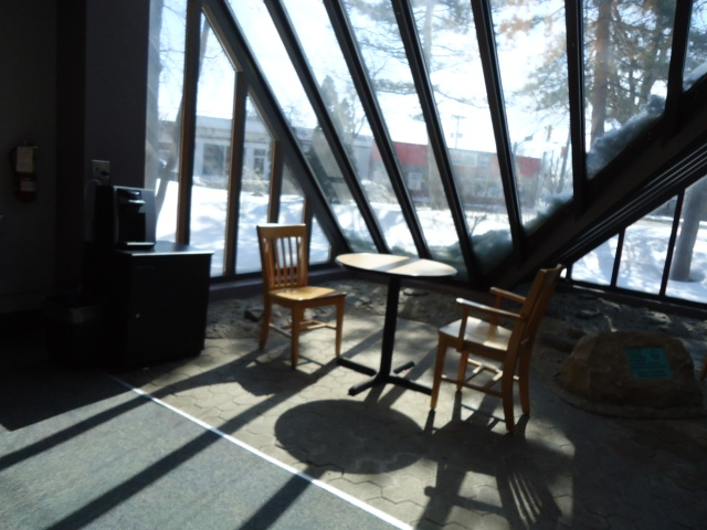 sunroom table chairs kreig coffee tea water hot chocolate $1 centennial branch fort erie on canada writing author blogger linda randall idea girl canada
