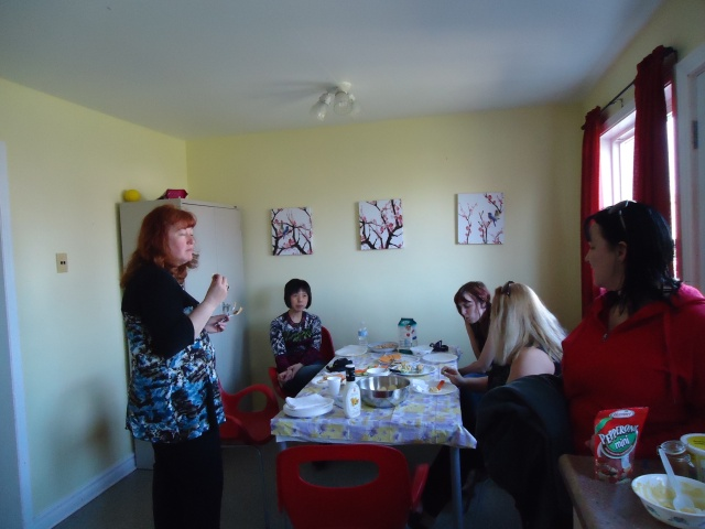 deb li becky barb tina chatting easter party 17 apr 2014 linda randall